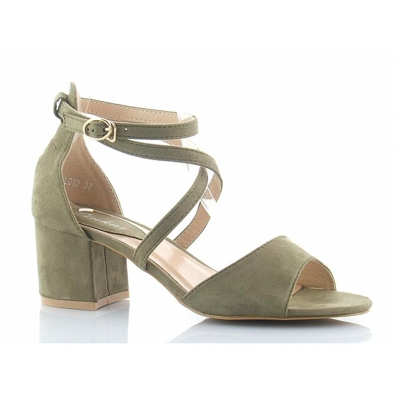 1f7caf50 Klasyczne, bardzo eleganckie sandały na niskim słupku, z paskiem wokół  kostki, zamszowe w kolorze zielonym